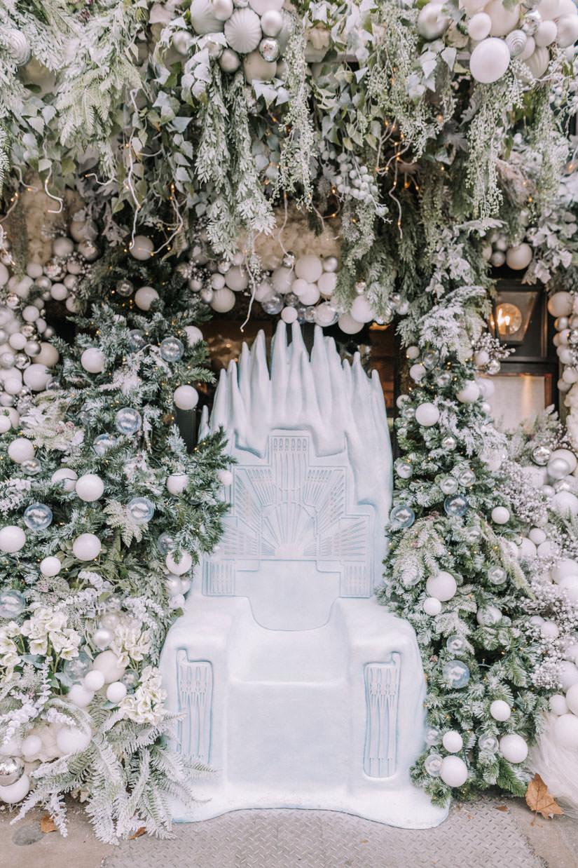 luxury christmas installations, london christmas 2019, luxury london florist, uk celebrity florist, ivy chelsea garden christmas